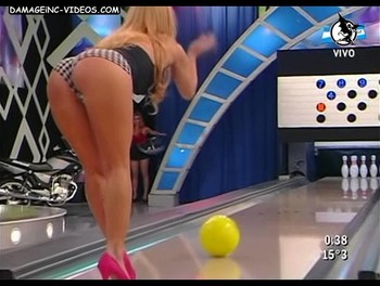 Estefania Colombo bends to show booty